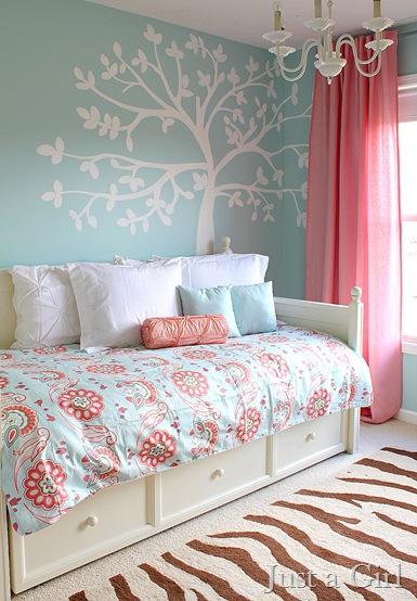 blue pink room