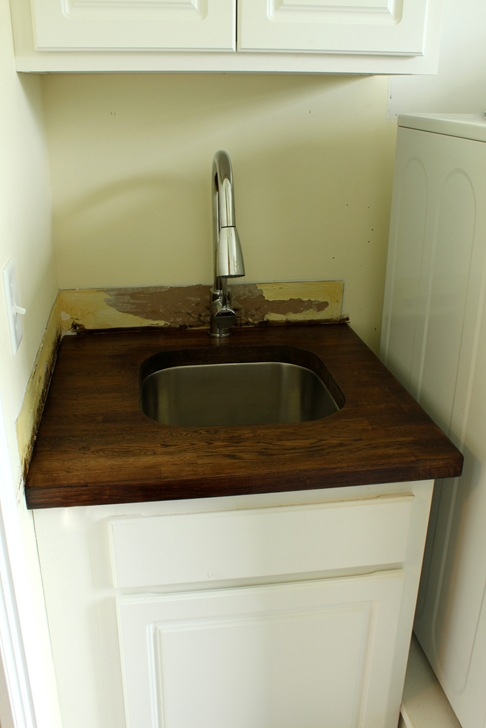Stainless undermount sink