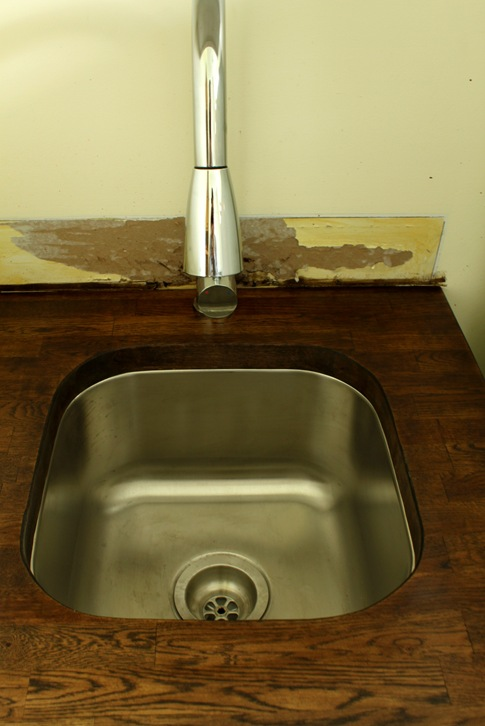 laundry undermount sink
