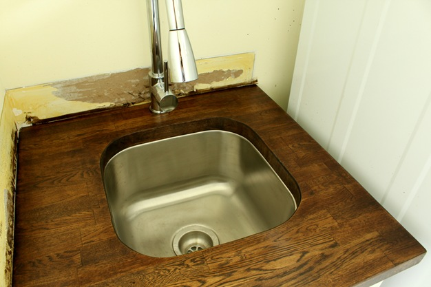 undermount sink laundry