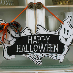 Post image for Dollar Store Decor {Halloween Decorating}
